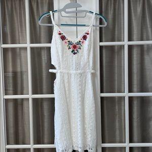 NWT Hollister White M Lace Dress w/ Flower Details